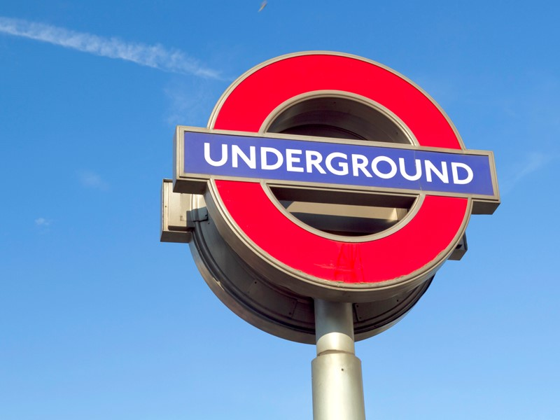 Student SOS: Nine Tips for Surviving the London Underground image